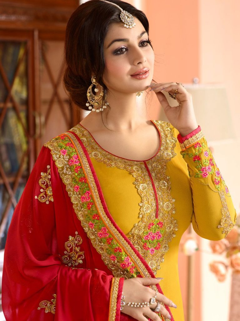 Ayesha-Takia-in-Mehndi-Dress
